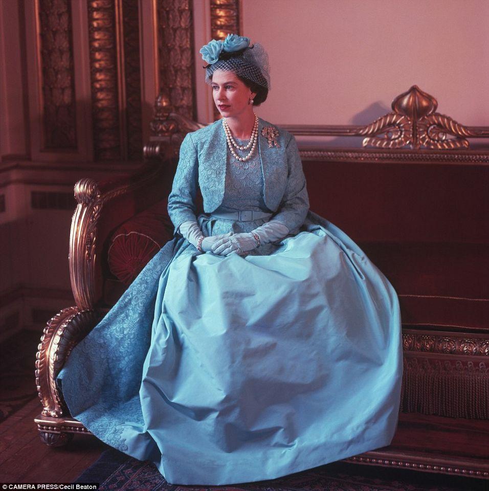 вечернее платье виктории королевы англии