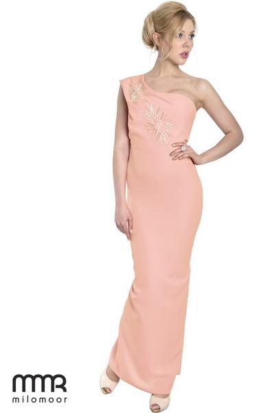 асимметричные рукава платья