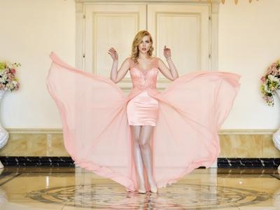 Новая коллекция вечерних, универсальных платьев.