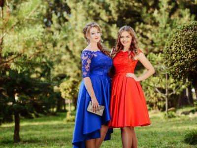 Какое платье на выпускной бал лучше – длинное или короткое