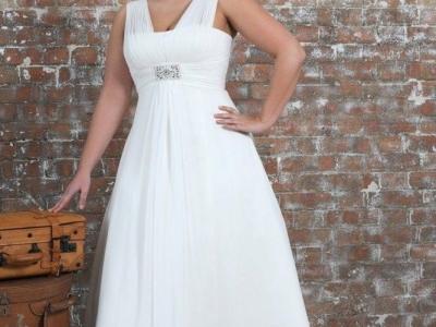 Как подобрать свадебное платье девушке с большой грудью