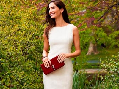 С чем носить белое платье, аксессуары к нему