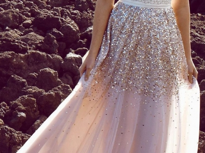 Блестящие платья – выбор ярких женщин